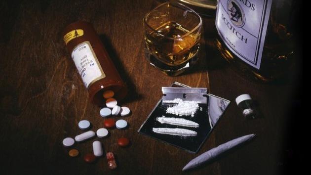 Parlamentarios británicos proponen despenalizar el porte y el consumo de drogas