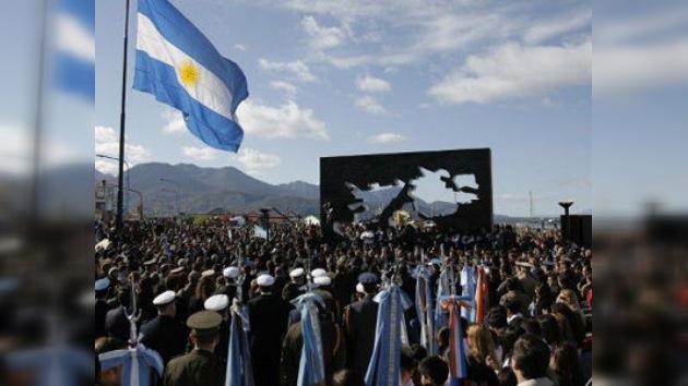 Gran Bretaña lamenta que Perú se solidarice con Argentina por las Malvinas
