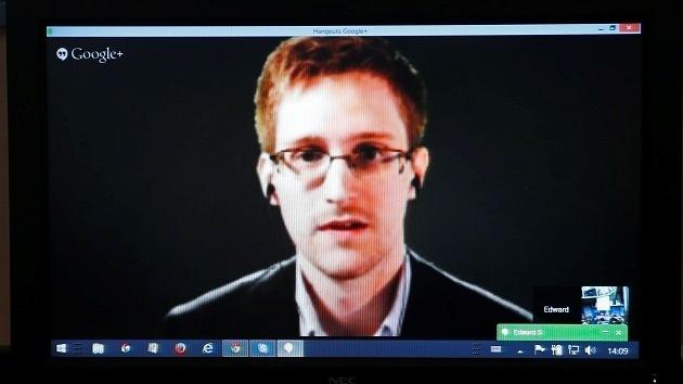 """Edward Snowden: """"Ahora todo el mundo está bajo la vigilancia del gobierno"""""""