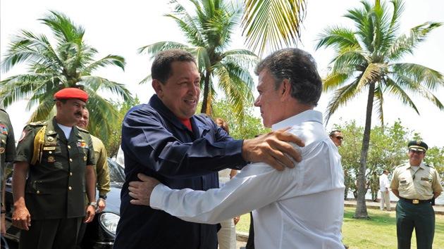 """Santos califica a Chávez de """"fundamental"""" en el proceso de paz con las FARC"""