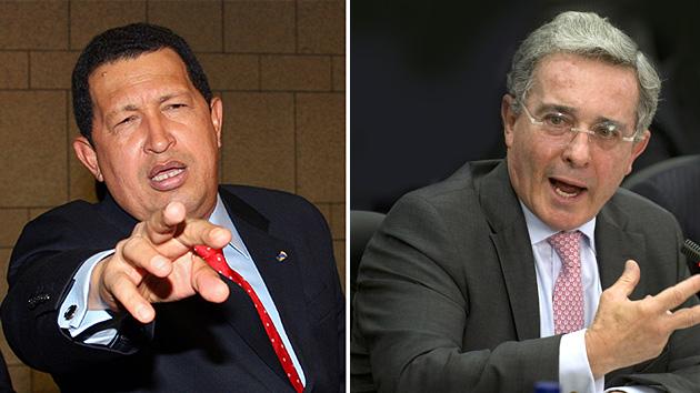 Uribe contraataca: responde a Chávez, esta vez vía Twitter