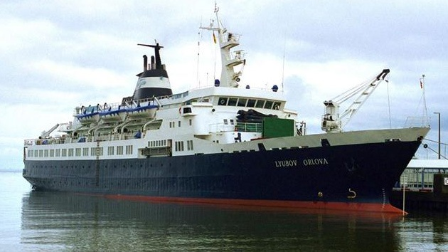 """El 'barco fantasma' Lyubov Orlova, """"amenaza inminente para el medioambiente"""""""