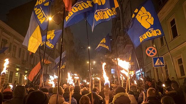 Neonacionalistas suecos apoyan codo con codo a los extremistas en Ucrania