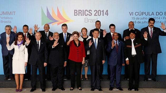 Analista: Putin busca estabilidad multipolar ante la agonía de Occidente
