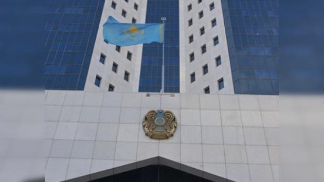 Kazajistán niega que planee vender uranio a Irán
