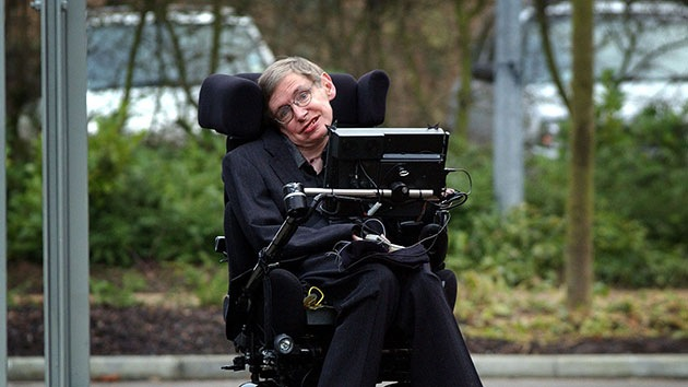 """""""Stephen Hawking teme a la inteligencia artificial por razones equivocadas"""""""