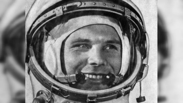 Emiten monedas conmemorativas por el cincuentenario del vuelo de Gagarin