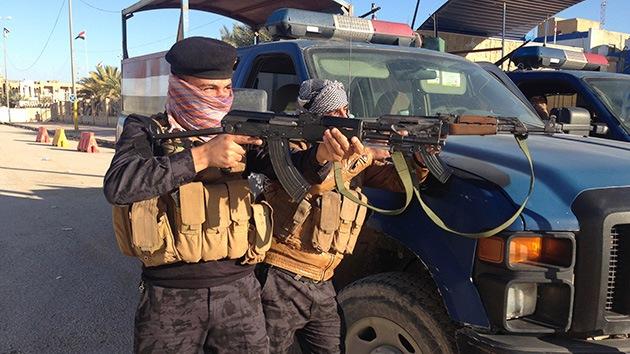 Grupo armado toma decenas de rehenes en una universidad iraquí
