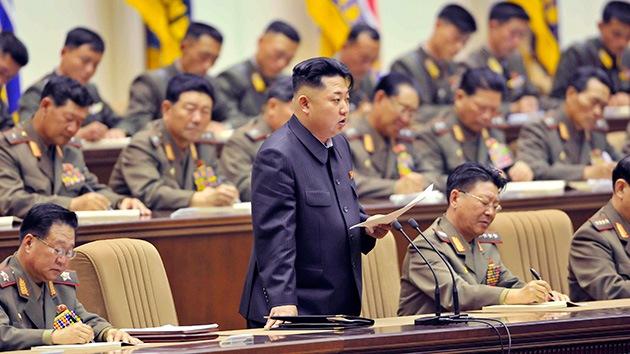 Medios: Kim Jong-un insinuó que en 2015 podría estallar una guerra