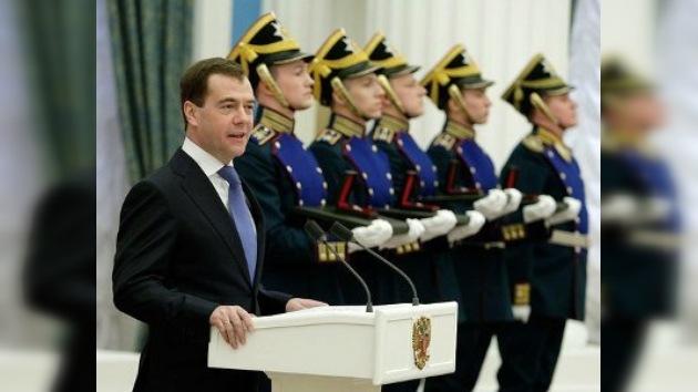 Medvédev entrega los premios presidenciales a 4 científicos rusos
