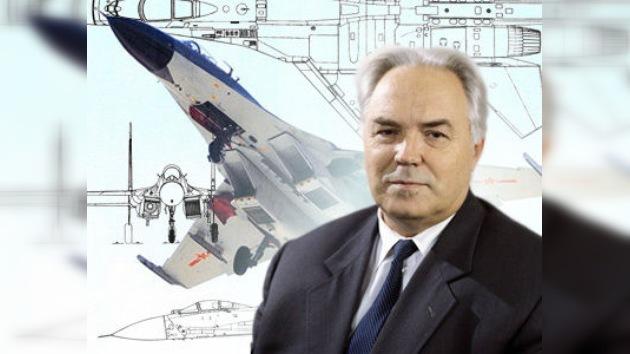 Fallece Mijaíl Símonov, diseñador jefe de Sujói