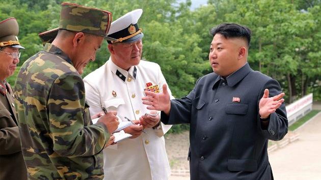 Kim Jong-un insta a mejorar la combatividad de los submarinos