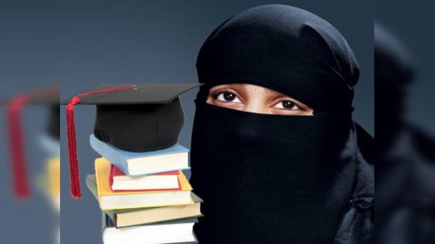 Protestas en Túnez por la prohibición del velo en la universidad