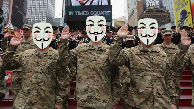 """'Hacker' de Anonymous infiltrado en el Ejército de EE.UU.: """"Somos muchos"""""""