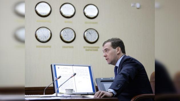 Rusia es tan grande que la gente tiene que adelantar las agujas del reloj