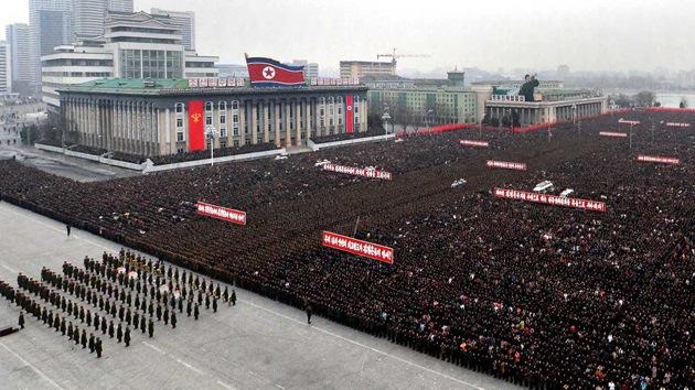 Los 'héroes' de la prueba nuclear de Corea del Norte ganan un viaje a Pyongyang