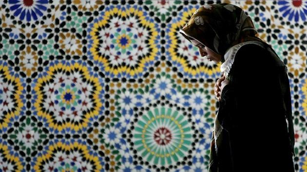 """Italia: Una joven musulmana sufre una brutal paliza por ser """"demasiado occidental"""""""
