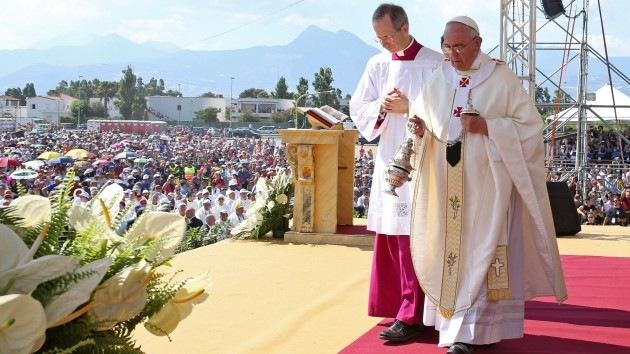 El papa Francisco excomulga a la mafia italiana por asesinar a un niño de 3 años