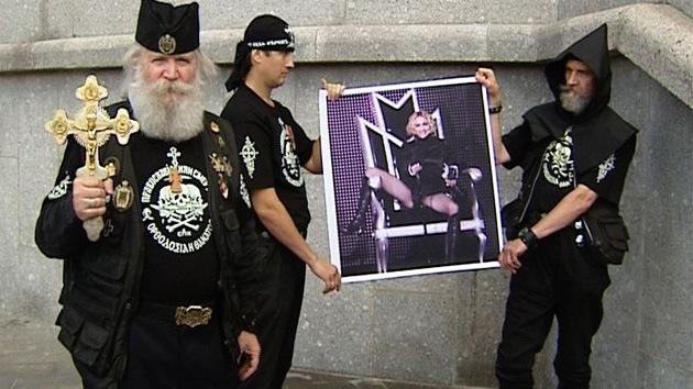 FOTOS: Ortodoxos rusos protestan por conciertos de Madonna en el país