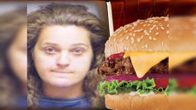 Detenida por ofrecer sexo a cambio de dos hamburguesas y una propina