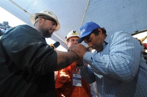 ¡Los mineros chilenos libres!