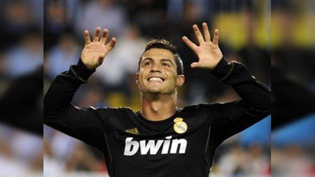 Ronaldo se mete un 'autogol': envía a su novia fotos de una fan semidesnuda por error