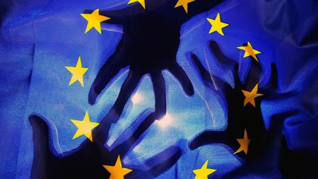 La UE adopta sanciones contra 13 rusos y dos empresas de Crimea