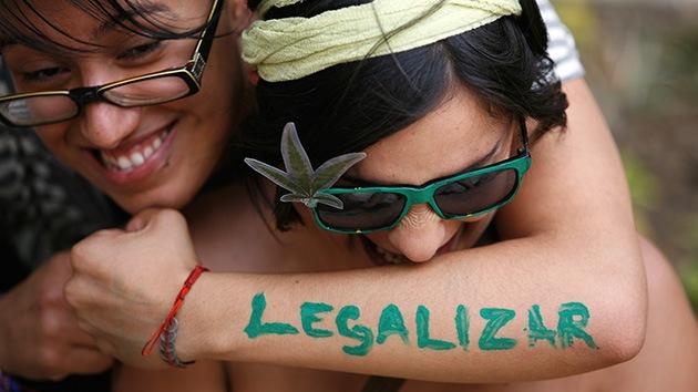 Diputados locales proponen legalizar la venta de marihuana en la capital de México