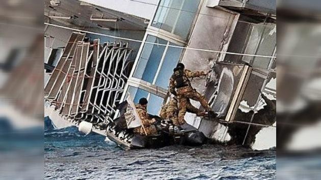 """""""Creo que quedo solo yo"""", informó desde tierra el capitán del Costa Concordia"""