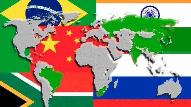 Los países BRICS ayudarán a China a pasar del tipo de cambio yuan-dólar al yuan-oro