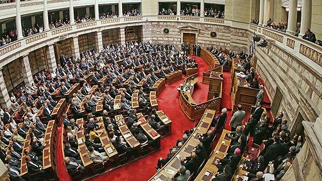 Tres partidos griegos acuerdan formar un gobierno de coalición