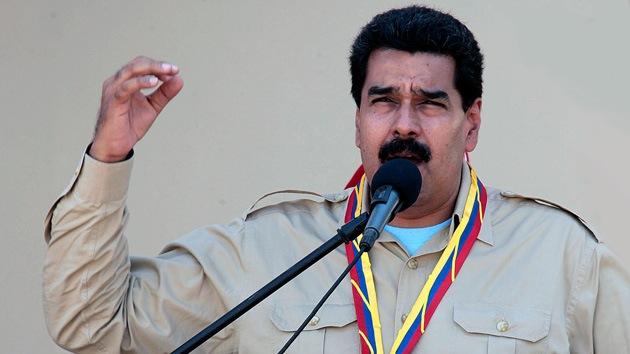 Maduro amenaza con expulsar la misión diplomática estadounidense