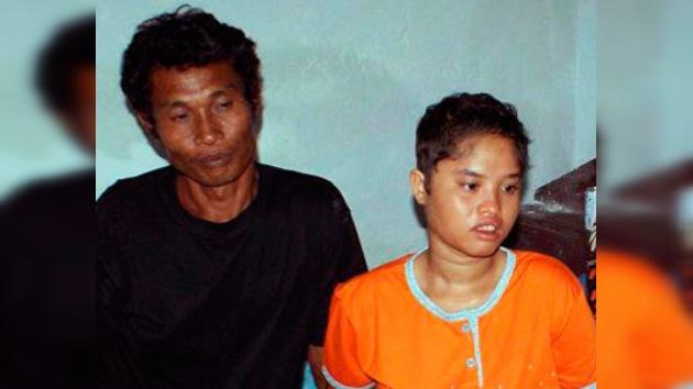 Regresa a casa una niña desaparecida en el tsunami de Indonesia en 2004