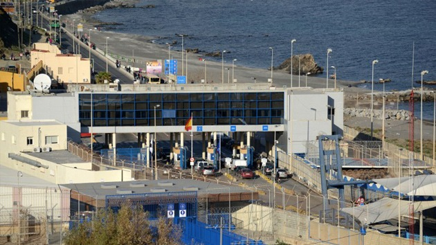 Graban a la Guardia Civil de Ceuta disparando e insultando a los inmigrantes
