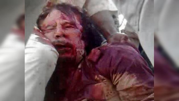 Vídeo polémico: ¿Gaddafi aún vivo en manos de una muchedumbre furiosa?