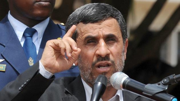 """Ahmadineyad: """"Enemigos buscan extender la guerra en Siria a todo el Oriente Medio"""""""