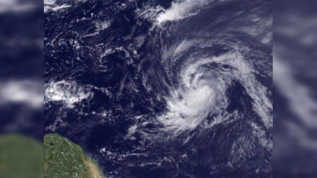 La tormenta Katia cruza el Atlántico 'in crescendo' y con vocación de huracán