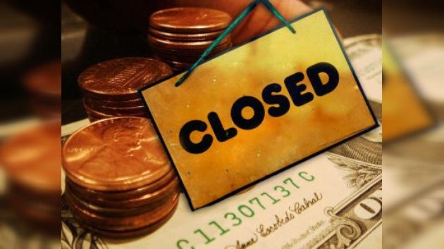 La 'indignación' continúa: otros 84.000 estadounidenses cierran sus cuentas bancarias