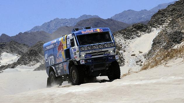 Fotos: Los rusos de Kamaz, entre los 10 mejores de la primera etapa del rally Dakar