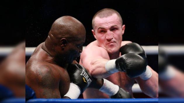 El boxeador ruso Lébedev derrota al estadounidense James Toney