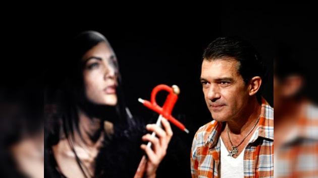 """""""Secretos sobre negro"""", primera exposición fotográfica de Antonio Banderas"""