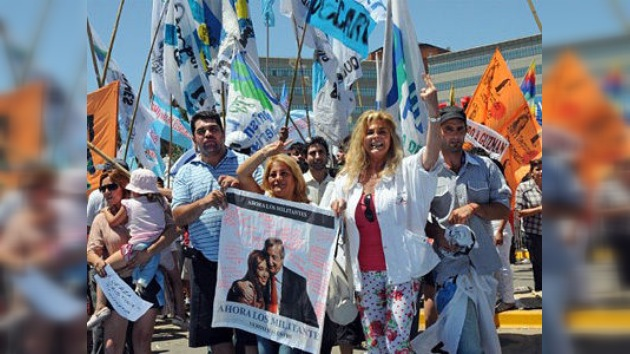 Argentina deja de 'agonizar' tras desmentirse el cáncer de Cristina Fernández de Kirchner