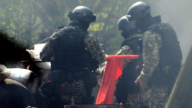 Lavrov: El uso del Ejércio en Ucrania es una acción punitiva y un crimen sangriento