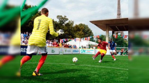 París acoge el Mundial de Fútbol Social para personas sin hogar
