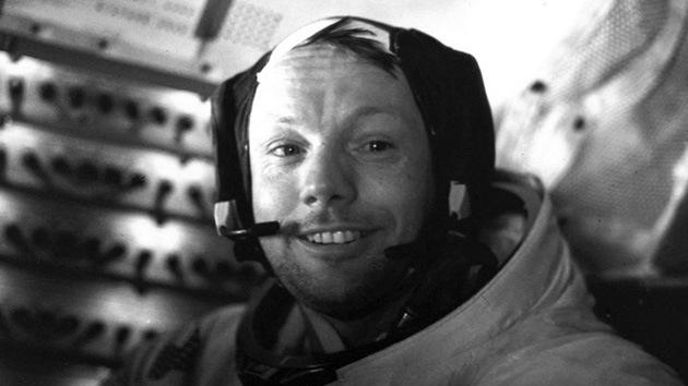 Neil Armstrong, el primer hombre que pisó la Luna, ya descansa en el Atlántico
