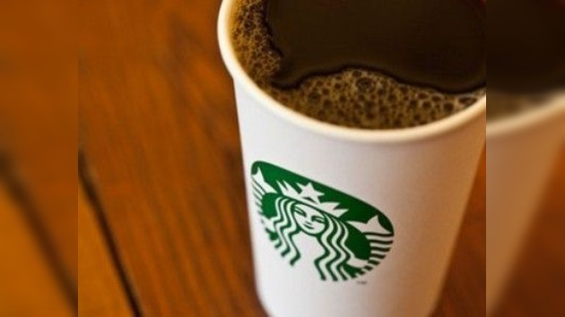 Starbucks cambia su logo liberando a su sirena