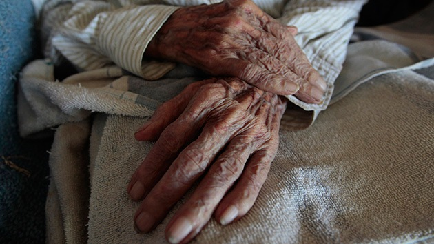 Ordenan desalojar a una anciana de 104 años de su casa de Madrid para hacer obras