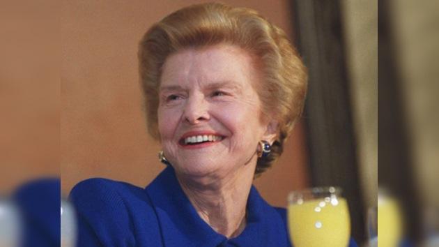 Fallece Betty Ford, la ex primera dama de EE. UU. que abanderó la lucha social en los 80