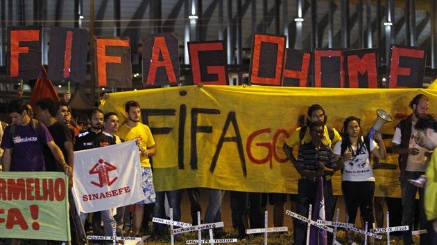 Problemas de Brasil a pocos días del inicio de Mundial