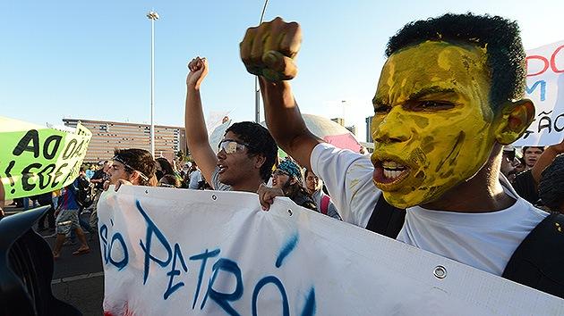 Manifestaciones en Brasil, en el mismo sentido que las protestas europeas